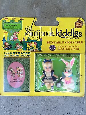 Vintage Liddle Kiddles Alice In Wonderland Wonderliddle Storybook Set Playcase