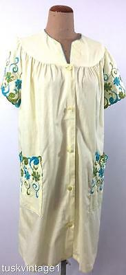 VINTAGE 60s Pale LEMON turquoise green EMBROIDERED house dress robe 12 14