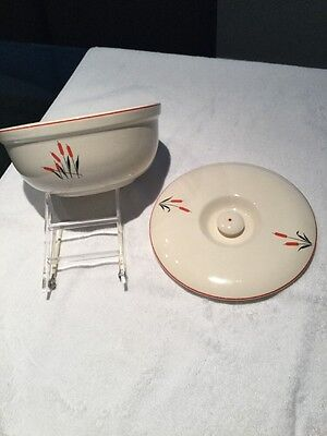 Universal Cattail Bowl And Lid