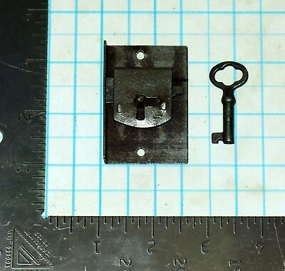 Vtg Antique Old Barrel Skeleton Key & Lock Set Furniture Cabinet Desk Drawer Box