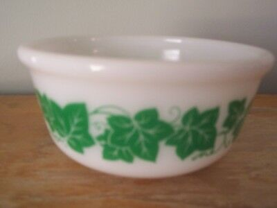"Hazel Atlas 6"" Mixing Bowl With Green Ivy Pattern - Excellent"