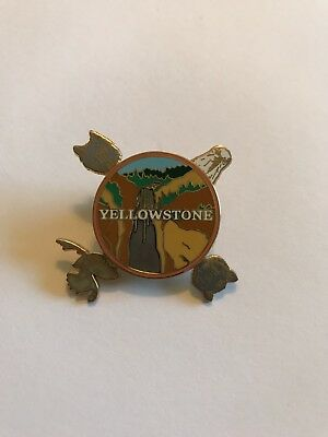 Yellowstone National Park Collector's Pin Animal Spinner Collectible
