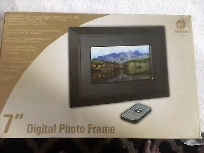 "Digital Labs K101 7"" Digital Picture Frame"