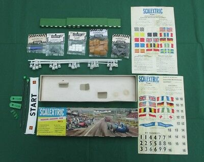 Scalextric HP2 1960's Classic Trackside Accessory Pack - Complete!!