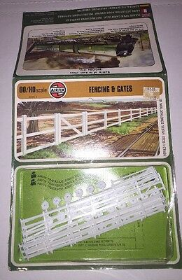 Airfix OO/HO Scale Kit - Fencing and Gates 01617-5
