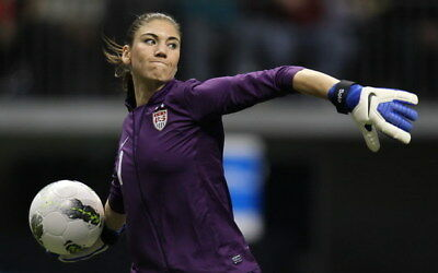 """036 Hope Solo - Team USA Keeper Football Soccer Wowen Olympic 22""""x14"""" Poster"""