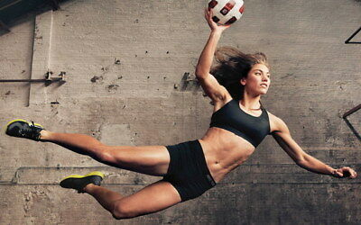 """046 Hope Solo - Team USA Keeper Football Soccer Wowen Olympic 22""""x14"""" Poster"""