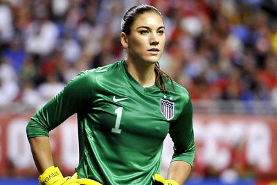 """039 Hope Solo - Team USA Keeper Football Soccer Wowen Olympic 21""""x14"""" Poster"""