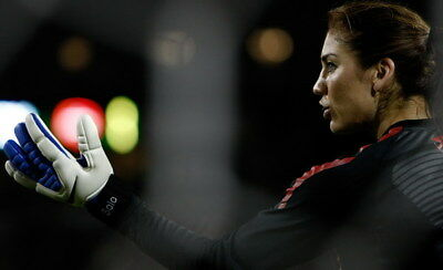 """042 Hope Solo - Team USA Keeper Football Soccer Wowen Olympic 22""""x14"""" Poster"""