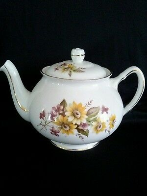 Vintage Duchess Teapot  Excellent Condition  Not Used