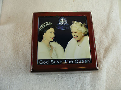 Wooden box with ceramic tile Queen's 90th Birthday God Save The Queen