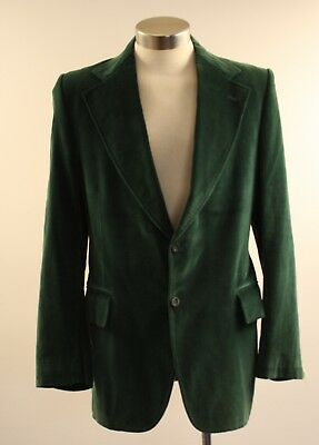 NEW ORIGINAL VINTAGE MEDIUM 1970s GREEN VELVET JACKET.
