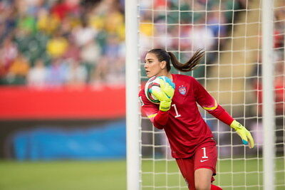 """030 Hope Solo - Team USA Keeper Football Soccer Wowen Olympic 36""""x24"""" Poster"""