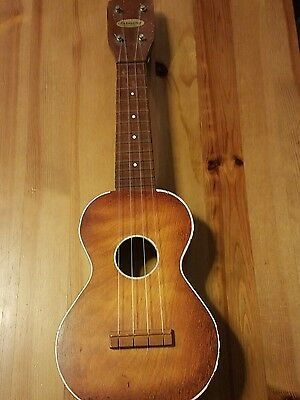 VTG 1930s Era Harmony Ukulele Made In Chicago, Illinois