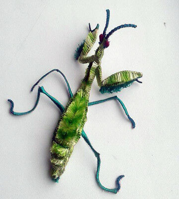 ID 0406 Praying Mantis Green Patch Cartoon Insect Embroidered Iron On Applique