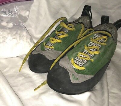 Evolv Rock Climbing Shoes Youth 9 In Green Free Chalk Included!