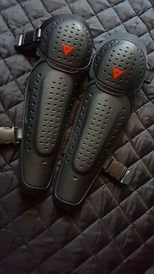Dainese Black Hard Pair of MTB Knee pads / guards