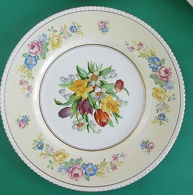Soho Pottery Ambassador Ware ENGLAND 10 1/2 IN. PLATE Floral Design