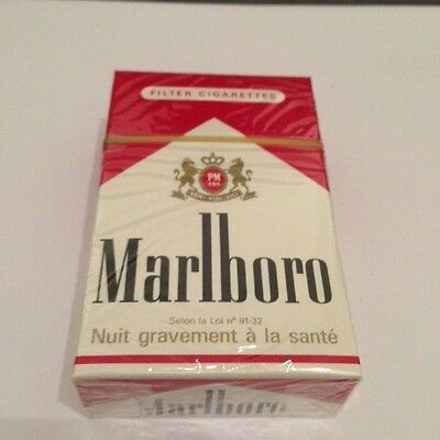 "Ancien paquet de cigarettes plein ""MARLBORO""pour collection"