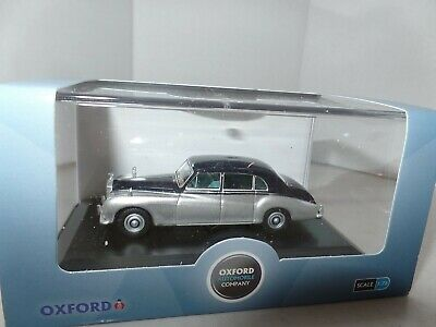 Oxford 76RRP5001 RRP5001 1/76 OO Scale Rolls Royce Phantom V J Young Navy Silver