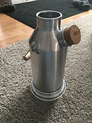 The Kelly kettle 2.5 Cups