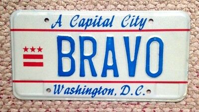 80s WASHINGTON D.C.DISTRICT OF COLUMBIA VANITY LICENSE PLATE BRAVO KUDOS GLORY