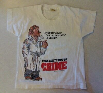 McGRUFF 1979 CRIME DOG T-shirt TAKE A BITE OUT OF CRIME vintage children clothes
