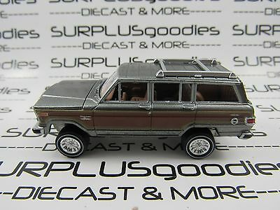 Johnny Lightning 1/64 Scale LOOSE Gray w/Wood Panels 1981 JEEP WAGONEER 4X4