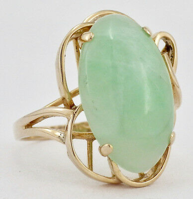 Vintage 14K Yellow Gold Oval Pale Green Jade Jadeite Cabochon Ring Size 7