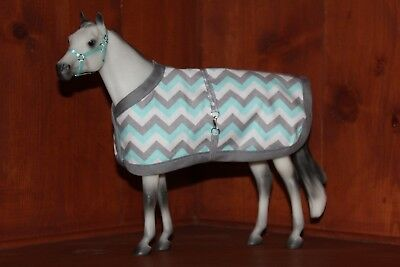 Traditional Scale Model Horse Stable Blanket