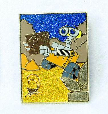 2013 Pixar Mystery CHASER Pin WALL-E with BOX & POSTER Limited Edition 200