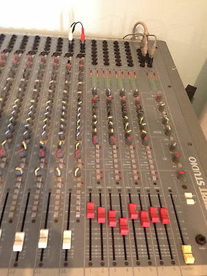 Soundcraft Spirit Studio 24:8:2