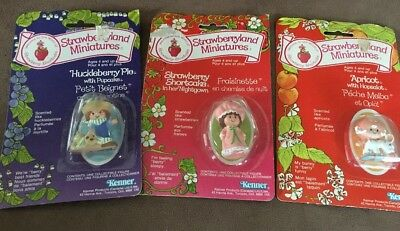 Strawberry Shortcake Miniatures Lot Of 3 Misc