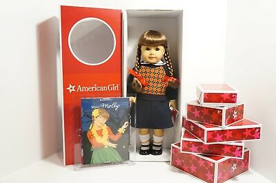 American Girl - MOLLY SET WITH 6 OUTFITS Retired Brand New in Box Super Rare!