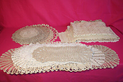 1 lot de 34 napperons ,chemins de table,au crochet, vintage, écru  blanc crème,