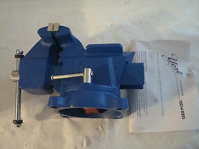 "Yost Vises 445 4.5"" Utility Combination Pipe and Bench Vise"