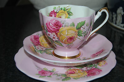 Exquisite  Vintage QUEEN ANNE TRIO SET