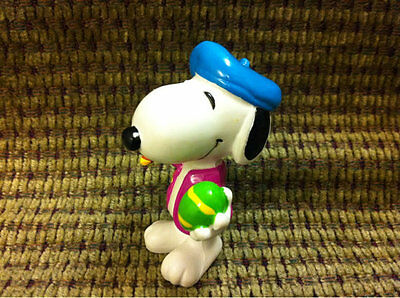 Collectible Peanuts Snoopy PVC Plastic Figurine Toy Cake Topper