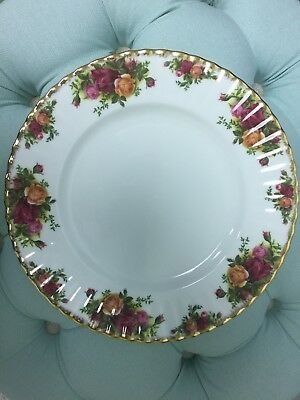 "Royal Albert Old Country Roses 10 1/2"" Dinner Plate -1962 mark Made in England"