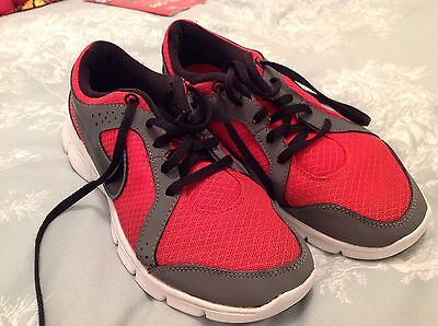 Nike Flex Extreme Size 4.5 Red Gym Running Trainers