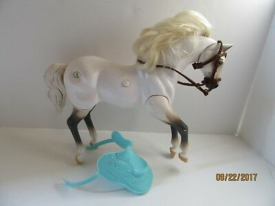 Grand Champions Sound Horse Champion Running W/Saddle Pre-Owned Works GC 1996