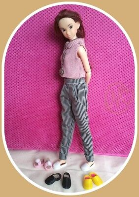Momoko 4 pair hand made shoes*  * please select *   **  NO DOLL  **