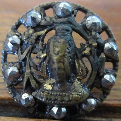 """Antique Button w/Faceted Cut STeels """"QUEEN ISABELLA OF BAVARIA"""" Vintage Picture"""