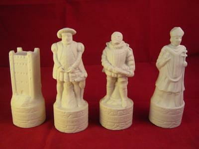 4 White  Wade Beneagles  Whisky Decanter Chess Pieces Thistle & Rose Caledonian