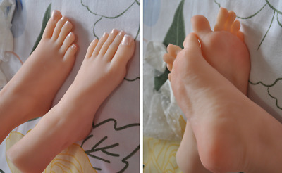 Lifelike top quality silicone girl feet mannequin arbitrarily bent/posed/soft