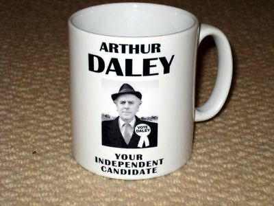 Minder Vote for Arthur Daley Political Campaign Advertising T Shirt