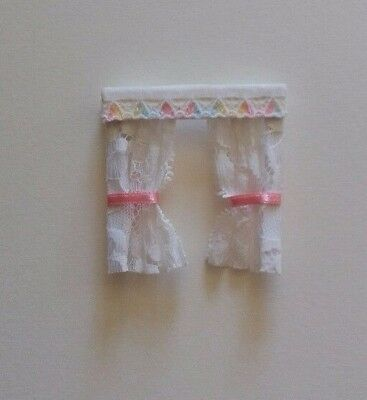 DOLLS HOUSE CURTAINS HEARTS NETS & BOWS 1.24th scale. Lundby? PINK