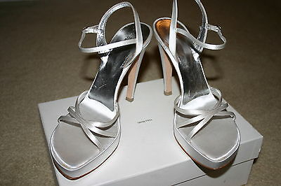 Vera Wang WHITE SATIN Wedding BRIDAL Sandals SHOES Sz Euro 38 or US 8 $485 New