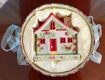 Royal Albert Old Country Roses Cottage Candle House Tea Light Holder In Gift Box