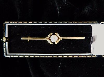 Mikimoto 14ct Yellow Gold Cultured Pearl Mistletoe Bar Brooch Boxed   Excellent